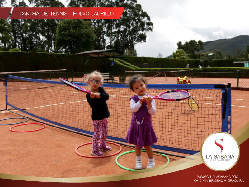 Cancha de tennis  en club de la sabana